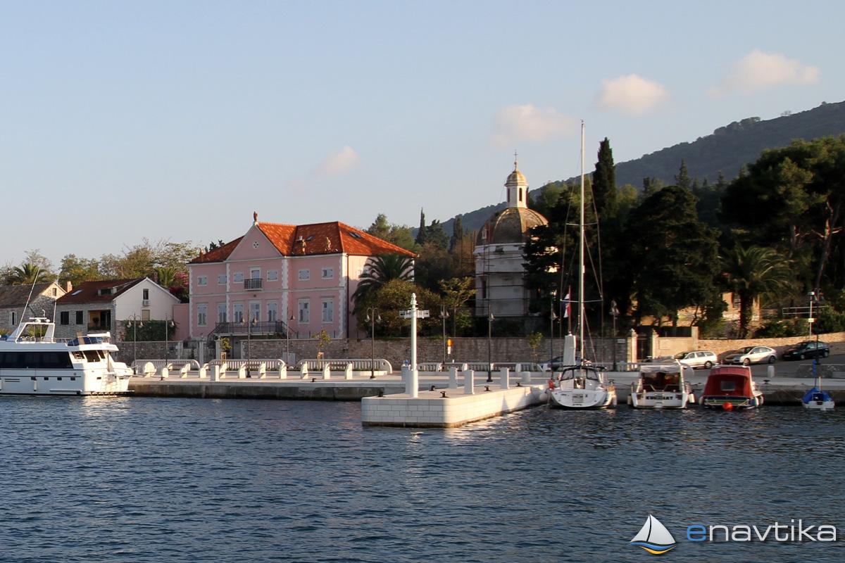 Slika Lučica Starigrad 4