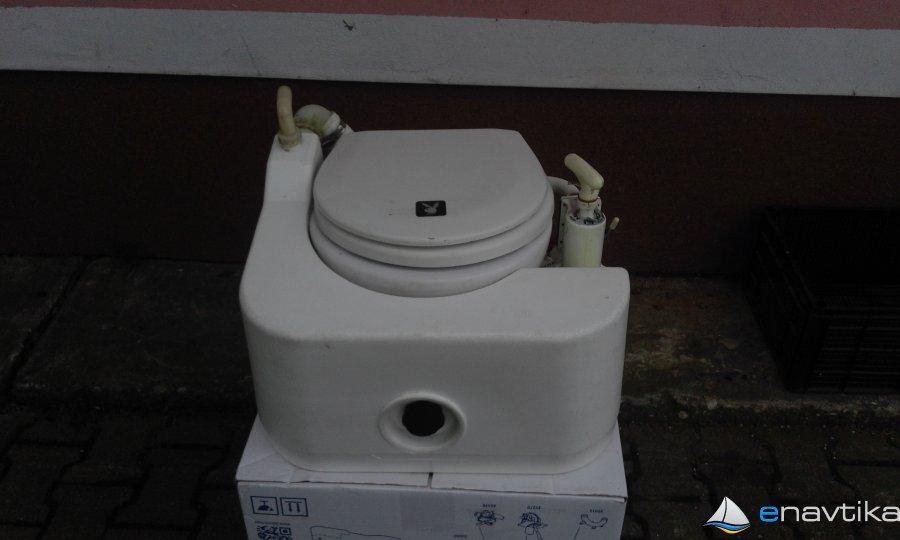 navtični WC